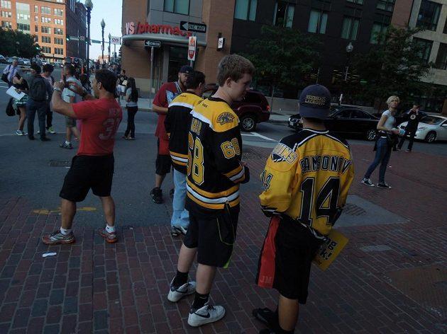 Hokejovým finále NHL žije celý Boston. I fanoušek v dresu Jaromíra Jágra.