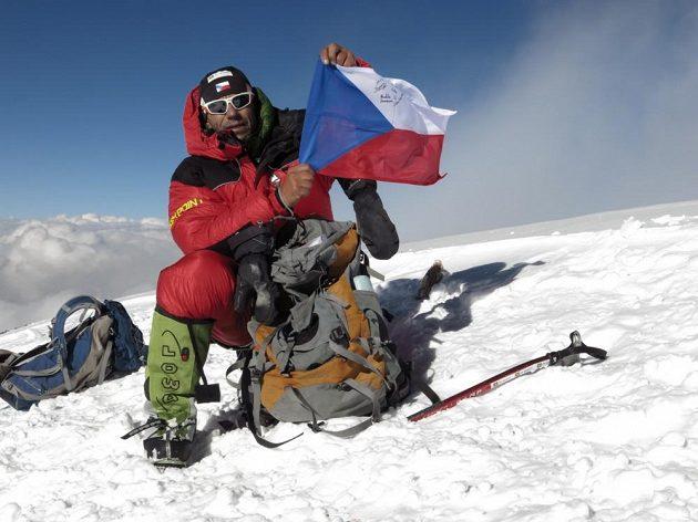 Radek Jaroš na vrcholu K2.