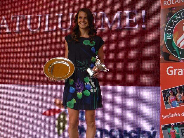 Lucie Šafářová po úspěšném French Open zavítala do Prostějova.