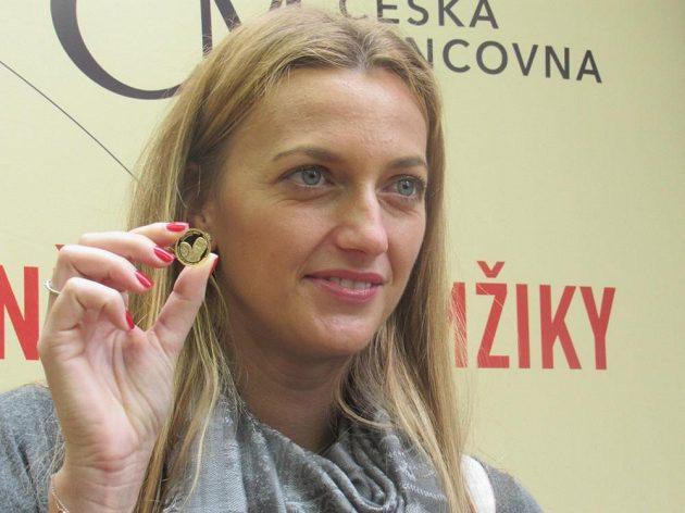 Česká tenistka Petra Kvitová si v Jablonci nad Nisou vyrazila zlatou medaili s vlastní podobiznou.