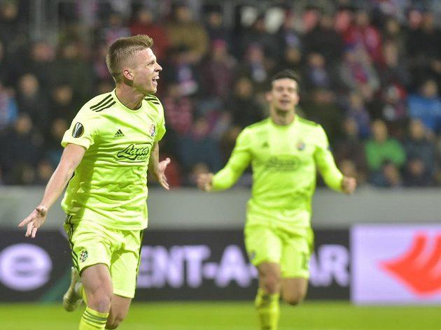 Dani Olmo ze Záhřebu se raduje z prvního gólu