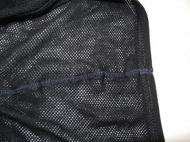 Plochý šev zrubu - vše je maximálně podřízeno běžcovu pohodlí.
