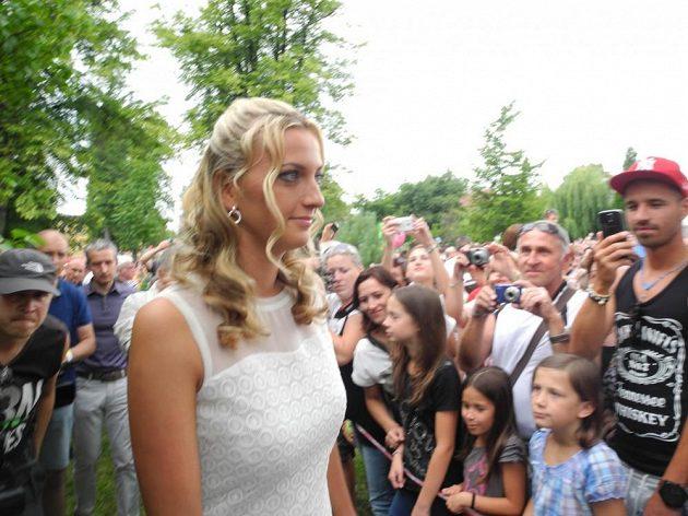 Na Petru Kvitovou čekaly doma ve Fulneku tisíce fanoušků, kteří jsou na ni hrdí.