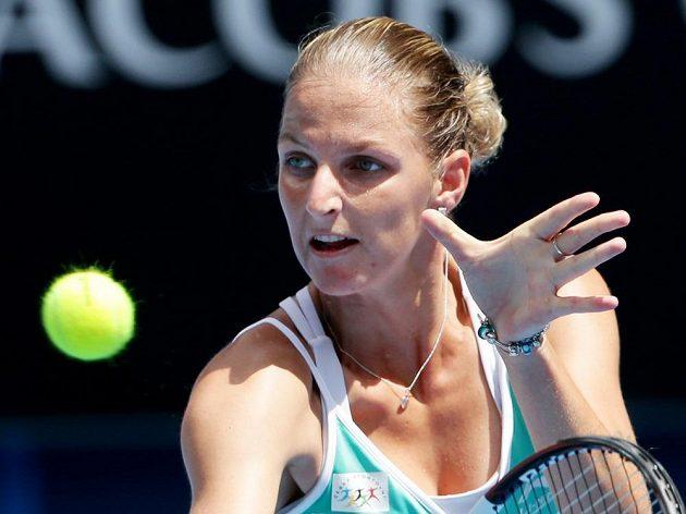 Karolína Plíškova v utkání s Ruskou Jekatěrinou Makarovovou. Australian Open pro českou hráčku skončilo.