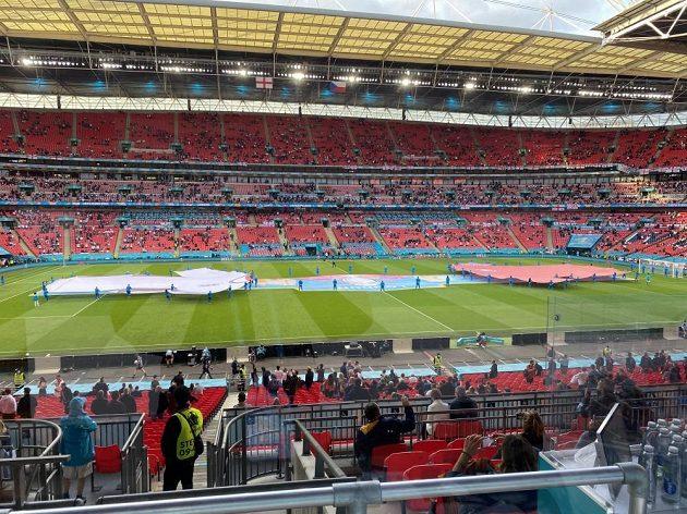 Wembley se chystá na duel domácího týmu s českým...