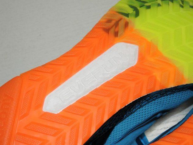 Běžecké boty Saucony Freedom ISO: detail podrážky.