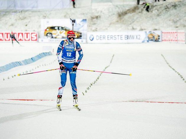 Eva Puskarčíková v cíli vytrvalostního závodu ve švédském Östersundu.
