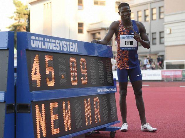 Baboloki Thebe z Botswany zaběhl na atletickém mítinku Memoriál Josefa Odložila v závodu na 400 metrů nový rekord mítinku.