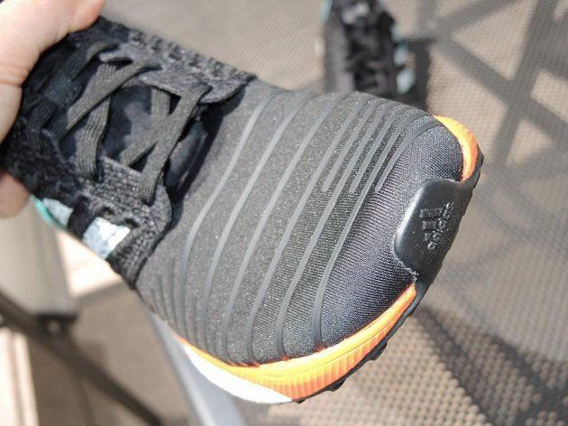 Běžecké boty Adidas Solar Boost - detail špičky.