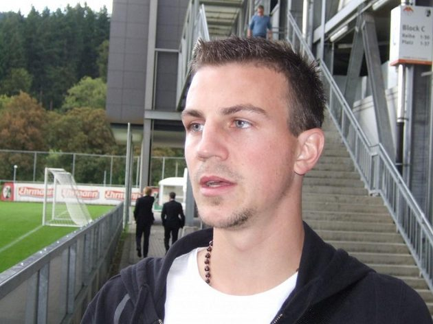 Záložník Freiburgu Vladimír Darida.