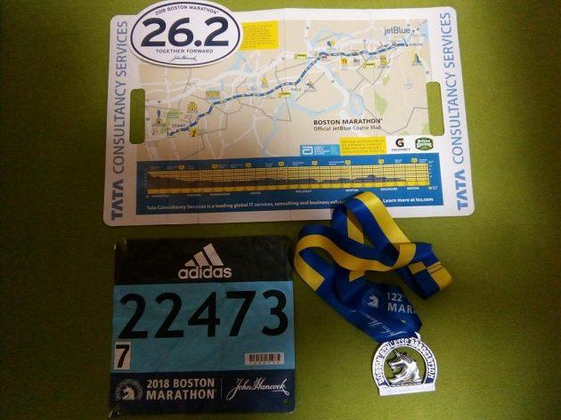 Boston Marathon: Číslo a medaile.