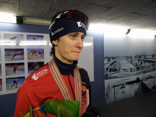 Martina Sáblíková po skončení závodu na 5000 metrů na mistrovství světa v Heerenveenu.