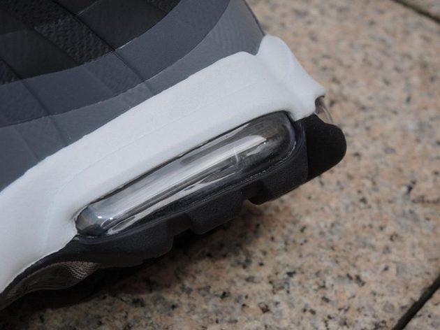 Boty Nike Air Max 95 - detail patního vzduchového segmentu.
