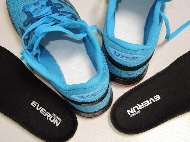 Běžecké boty Saucony Freedom ISO: Systém vložek je zdvojený - spodní je pevně vlepená.