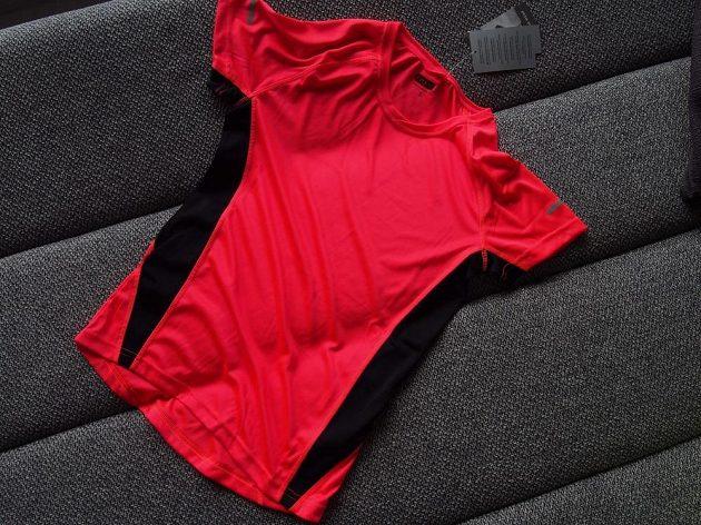 ab03d9add77 TEST  Sportovní kolekce Kik ‒ vyrovná se levná běžecká móda ověřeným ...