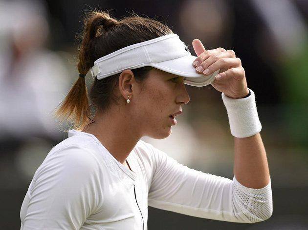Španělská tenistka Garbině Muguruzaová v duelu se Slovenkou Janou Čepelovou.