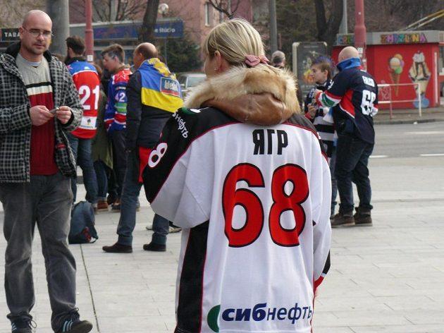Ruští fanoušci na působení Jaromíra Jágra v dresu Omsku v KHL nezapomněli.