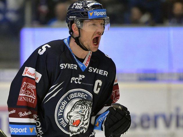 Kapitán Liberce Ladislav Šmíd se raduje z gólu.