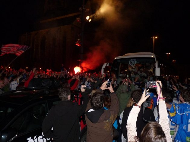 Oslavy hokejového titulu na náměstí Republiky v Plzni.