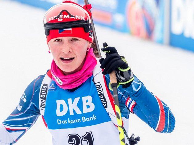 Veronika Vítková v cíli sprintu v Oberhofu.