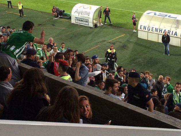 Výměna názorů na tribuně v Rio Ave.