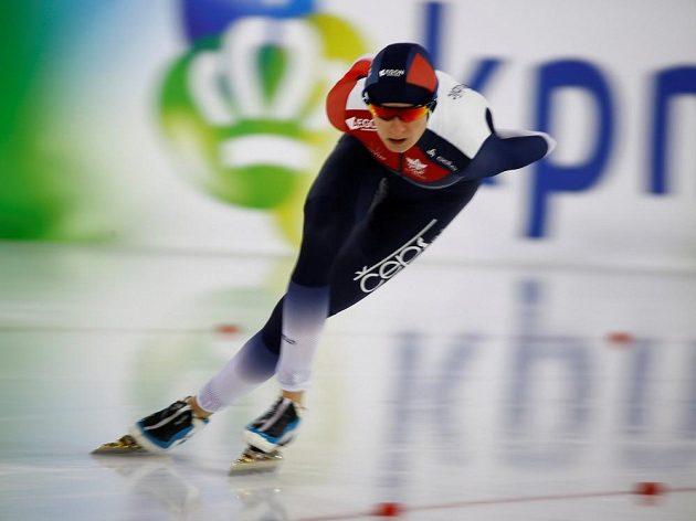 Rychlobruslařka Martina Sáblíková v závodu na 3000 metrů obsadila druhé místo, v polovině vícebojařského ME jí patří třetí příčka.