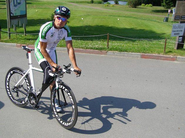 Jiří Ježek před úterním tréninkem nedaleko startu středeční časovky Tour de France.