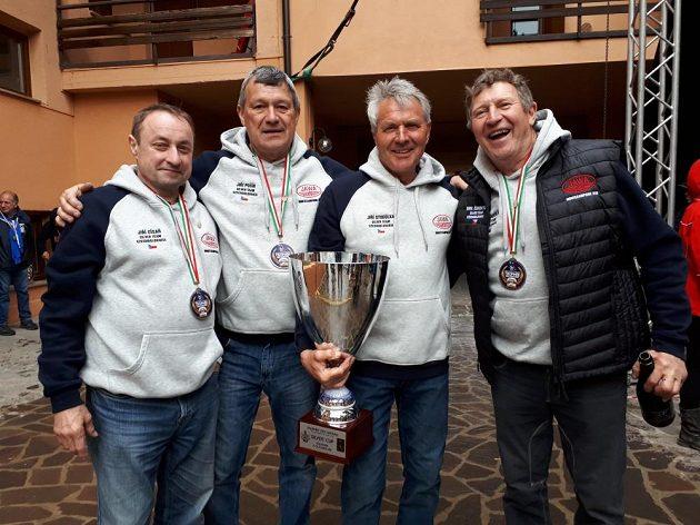 Vítězní veteráni z Itálie, zleva Jiří Císař, Jiří Pošík, Jiří Stodůlka, Emil Čunderlík.