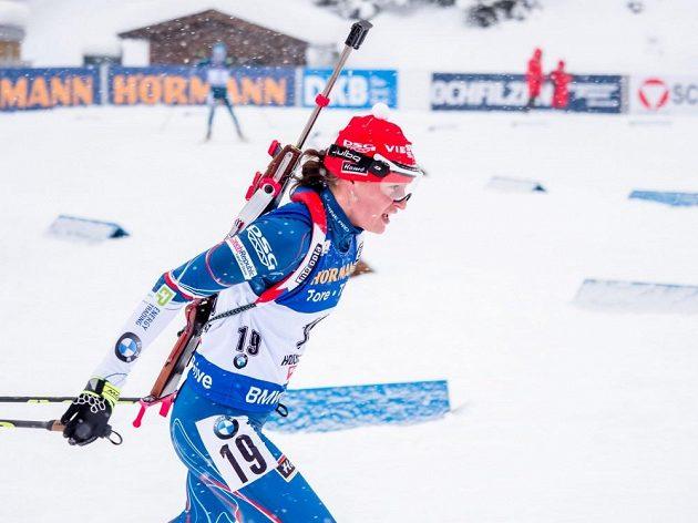 Česká biatlonistka Veronika Vítková na trati stíhačky v rakouském Hochfilzenu.