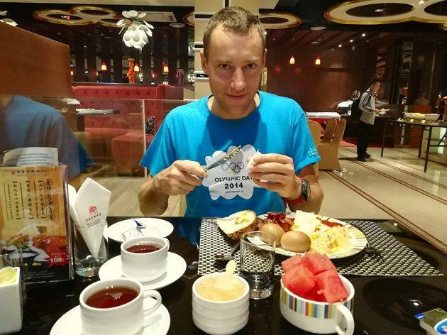 Snídaně šampionů - Ondřej Velička bádá v čínské kuchyni.