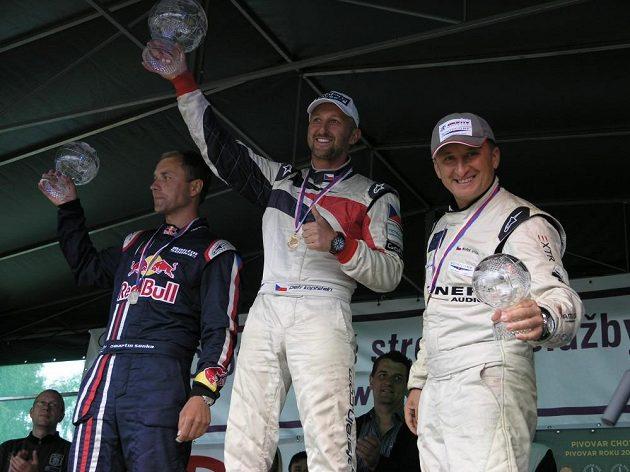 Petr Kopfstein (uprostřed) se mohl radovat, vyhrál před kolegou Martinem Šonkou (vlevo) a Markem Hykou.