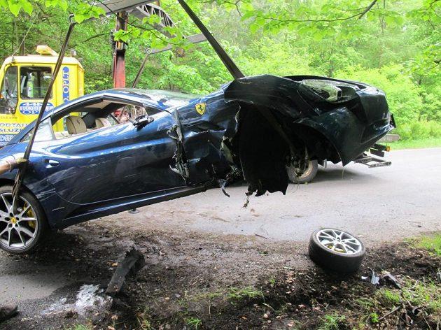 Voráčkovo ferrari bylo po nehodě nepojízdné.