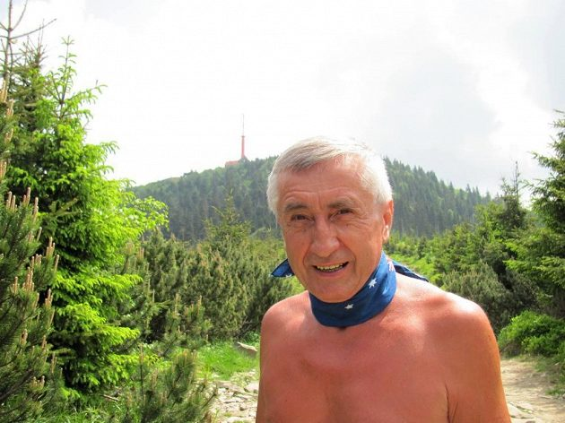 Ján Čupa: Nejvyšší vrchol Beskyd Lysá hora (v pozadí) je jeho osudem.