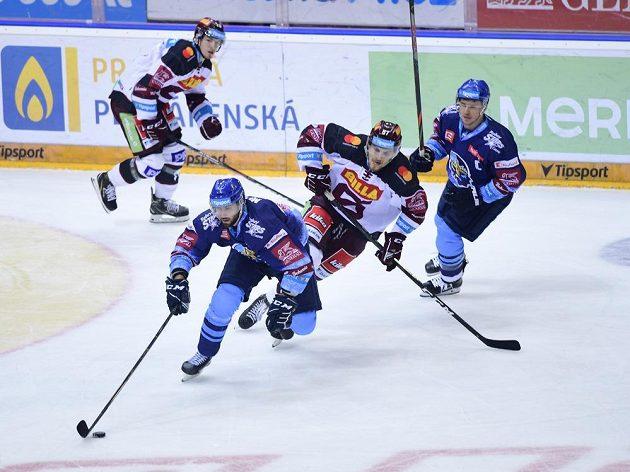 Hokejoví Rytíři Kladno s Jaromírem Jágrem bojují o extraligové body na ledě Sparty.