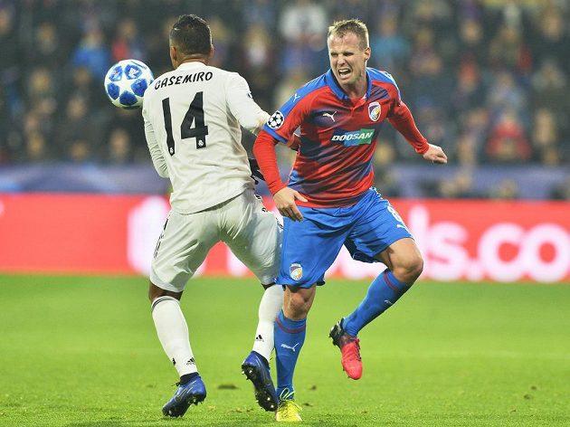 Casemiro z Realu Madrid a David Limberský z Plzně.