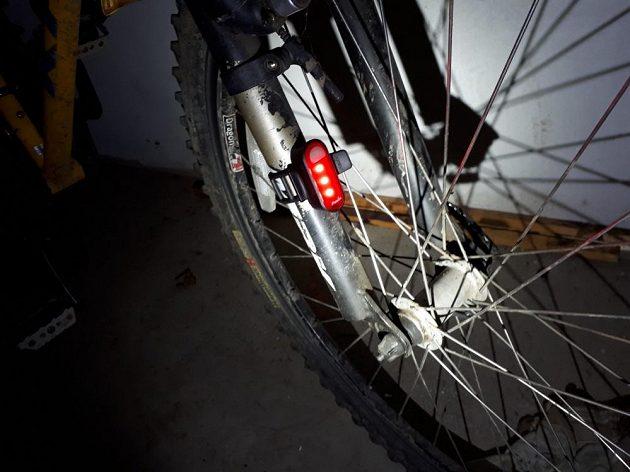 Sportovní dobíjecí blikačka Fenix BC05R: I cyklisté najdou nepřeberné množství využití.