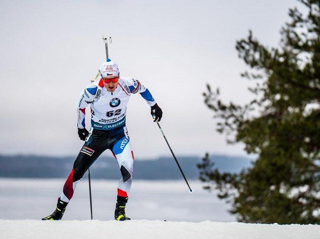 Ondřej Moravec na trati sprintu v Kontiolahti.