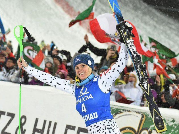 Pátační slalom ve Flachau patřil Slovenkám. Veronika Velez-Zuzulová (na snímku) vyhrála, Petra Vlhová byla třetí.