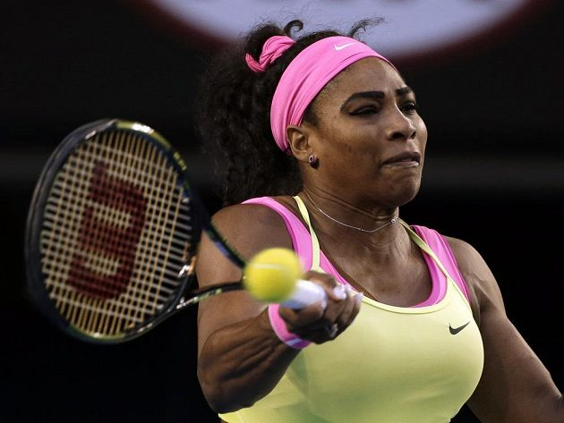 Americká tenistka Serena Williamsová v úvodu finále Australian Open.