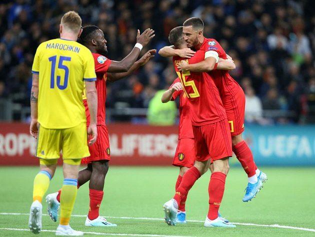 Belgický fotbalista Thomas Meunier slaví gól, který vstřelil během utkání proti Kazachstánu v kvalifikaci o postup na EURO 2020.