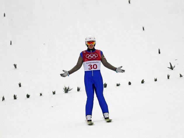Český sdruženář Tomáš Portyk po skoku na středním můstku v olympijském závodě.