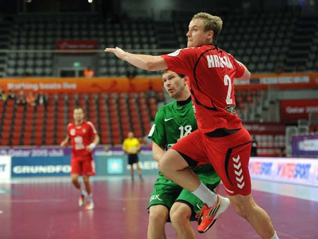 Český házenkář Jakub Hrstka v utkání s Běloruskem na MS v Kataru.