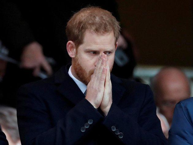 Princ Harry se před zápasem pomodlil za vítězství Anglie...