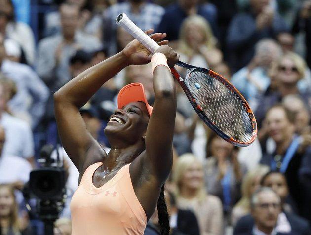 Sloane Stephensová se raduje po nečekaném triumfu ve finále US Open.