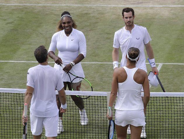 Murray s Williamsovou nestačili v osmifinále Wimbledonu na Soarese s Melicharovou