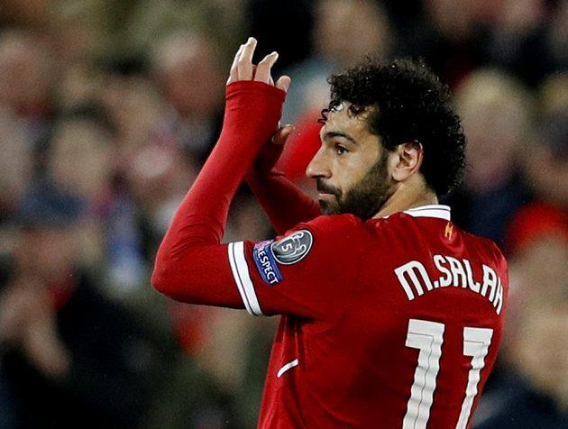 Když Mohamed Salah v 75. minutě opouštěl hřiště, vyprovázel ho hromový aplaus fanoušků Liverpoolu.