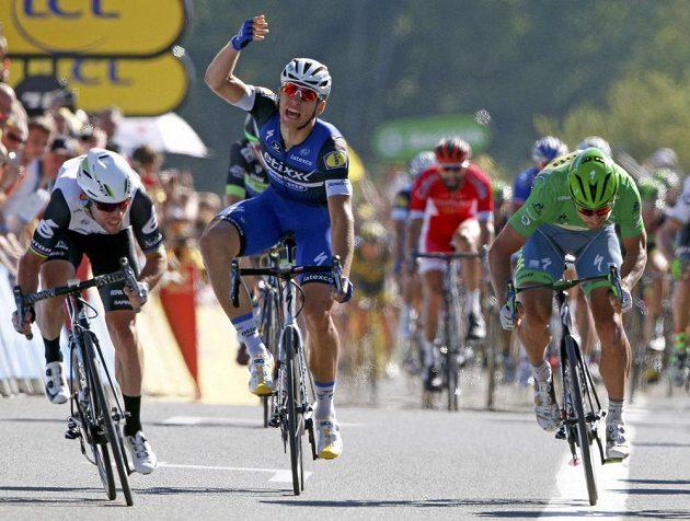 Závěr 14. etapy Tour de France. Zleva vítěz Mark Cavendish, Němec Marcel Kittel a Slovák Peter Sagan.