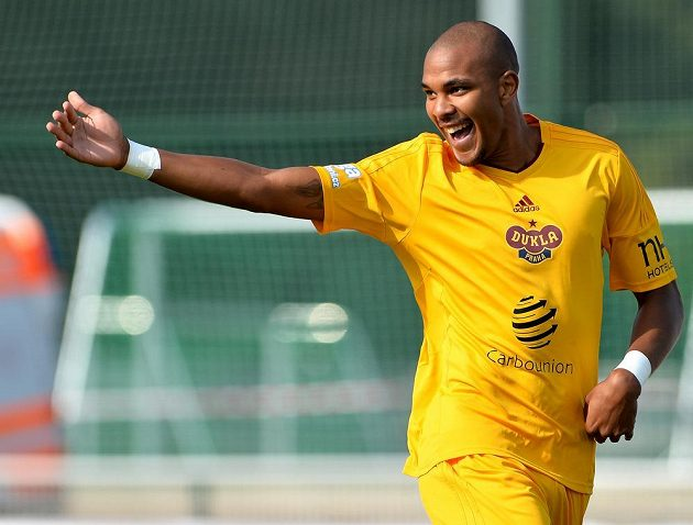 Jean-David Beauguel z Dukly se raduje z gólu proti Brnu.
