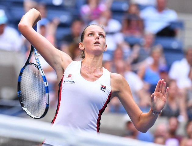 Karolína Plíšková při finále US Open s Angelique Kerberovou z Německa.