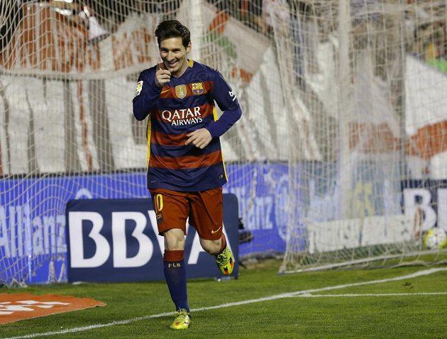 Lionel Messi z Barcelony se raduje z gólu proti Vallecana v zápase 27. kola španělské ligy.